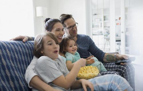 Family%20Watching%20TV_4[1].jpg